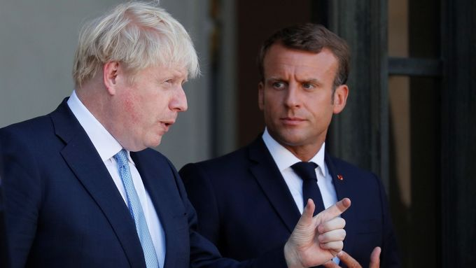 Boris Johnson a Emmanuel Macron.