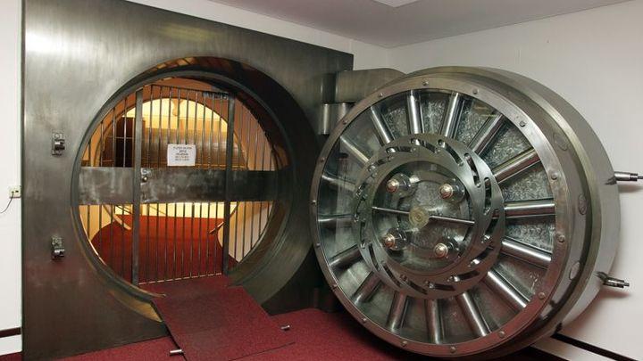 Tuzemské banky odolají i velké krizi, potvrdily testy ČNB