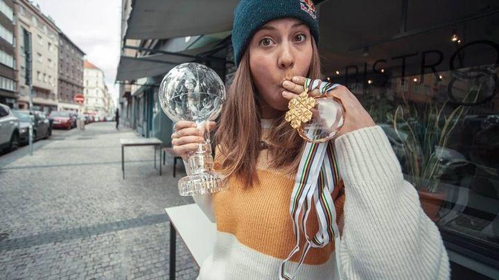 Skvělá Samková! Snowboardcrossařka vyhrála závod SP v Gruzii a je v čele seriálu