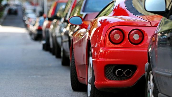 Praha chce změny parkování: Placené zóny se výrazně rozšíří