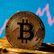 Kdo má tvořit peníze? Bitcoin ve světě sílí, centrální banky si brousí zuby na e-měny