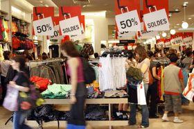3173868287f5 Časné výprodeje mají vyvážit vliv deštivého jara