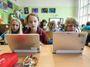 Škola podle Chládka: Očipované děti pod neustálou kontrolou