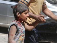 Z trosek Aleppa vedou všechny cesty na smrt. Uprchlíci už nemají kudy utíkat pryč