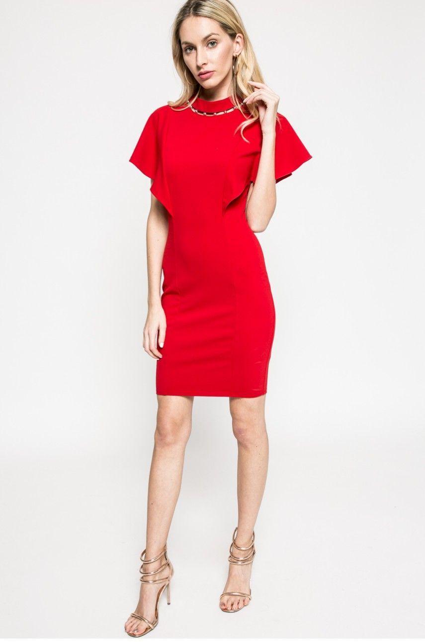 Co si vzít na vánoční večírek  Absolutním hitem jsou červené šaty. 9 26  Prohlédnout znovu Zavřít galerii. šaty f25d1bb1a6
