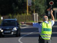 Od října se mění výbava vozidel i pravidla chování v kolonách. Znáte všechny novinky?