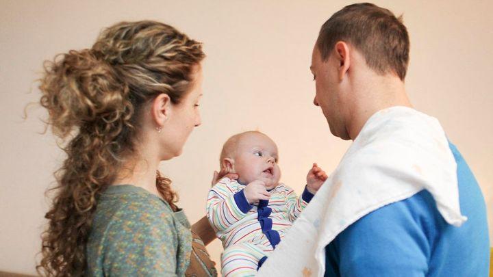 Svým dětem spoří skoro polovina matek, ukázal průzkum