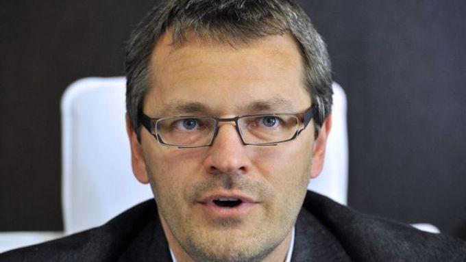 Bývalý vrchní státní zástupce v Praze a nyní advokát Vlastimil Rampula.