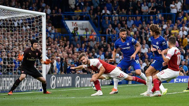 Čechův Arsenal ztratil remízu v derby proti Chelsea, Tottenham a Bournemouth jsou stoprocentní