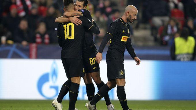 Inter Milán si proti Brescii zastřílel, Matějů zavinil penaltu