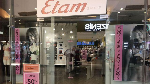 773e005ba1cc Známý výrobce luxusního prádla Etam náhle uzavřel všechny své české ...