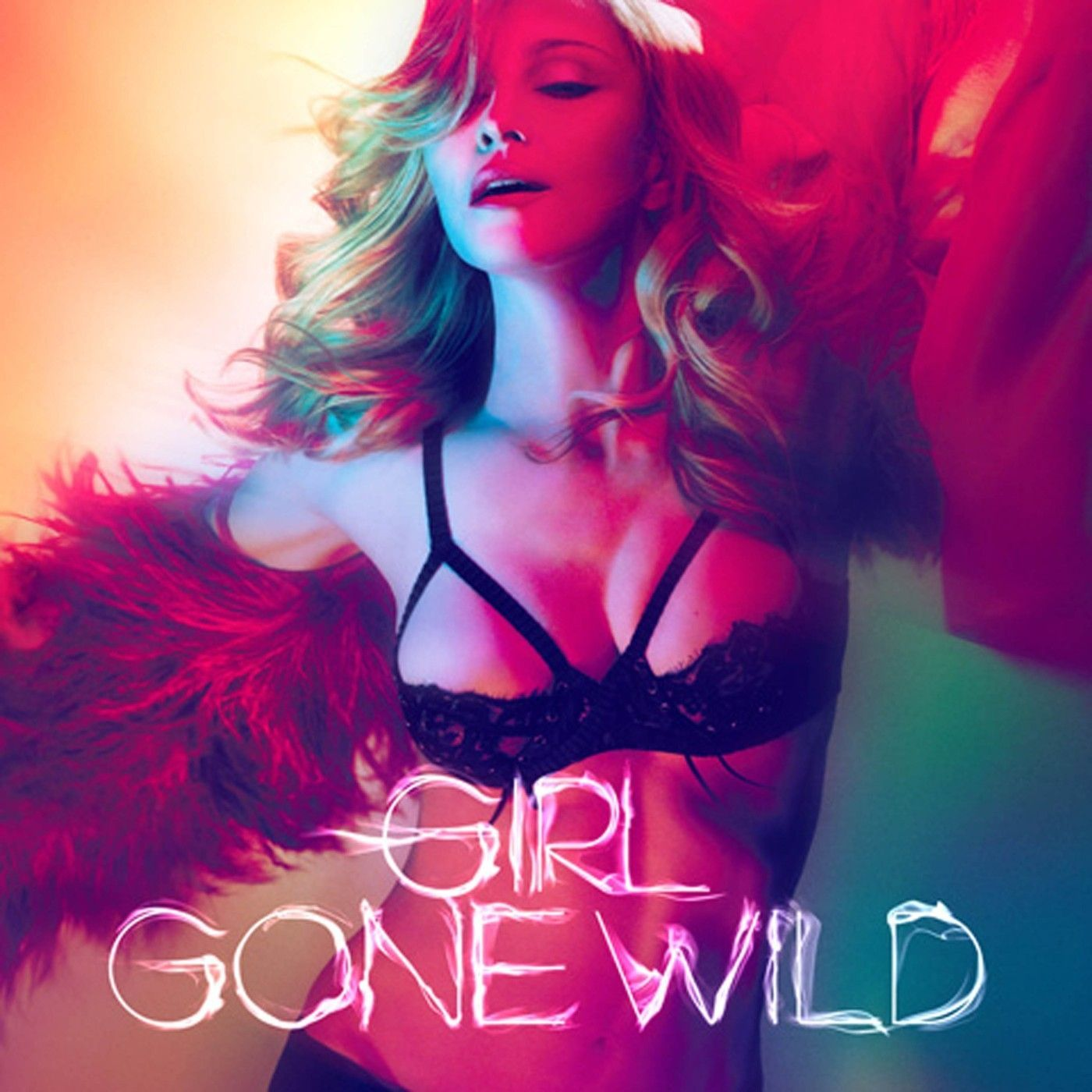 Madonna v klipu 'Girl gone wild'