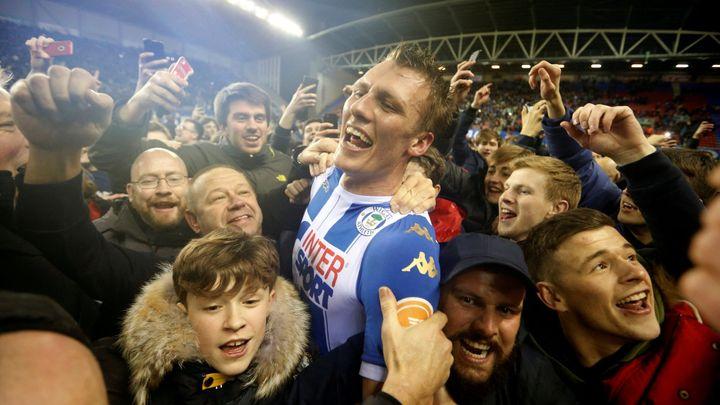 Agüero po pohárové prohře ve Wiganu udeřil fanouška