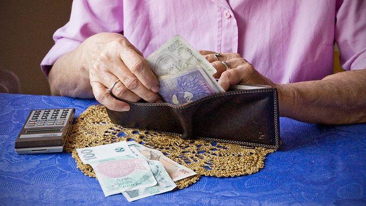 Na penzi spoří méně lidí. Loňský výnos má překonat inflaci