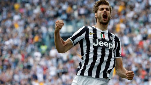 Juventus' Fernando Llorente celebrates after scoring a goal against Cagliari during their Italian Serie A soccer match at Juventus stadium in Turin