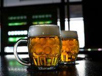 Praha bojuje proti smogu pitím piva. Na podporu kampaně dal magistrát půl milionu.