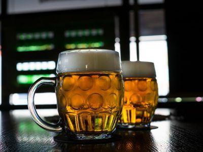 Praha dala půl milionu na propagaci pití piva: Chceme tak bojovat proti smogu, říká Eršil