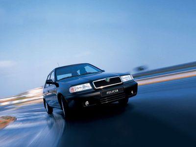 I nejlevnější Felicia by dnes stála půl milionu. Jak se za dvacet let změnily ceny malých aut?