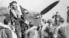 Hrdiny z Británie vítaly tisíce lidí. Komunisté o ně nestáli