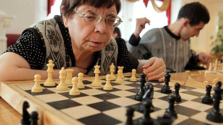 Kdy půjdete do důchodu? Ministerstvo chce vrátit strop