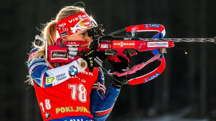 Živě: Stíhací závod biatlonistek, Koukalová s Puskarčíkovou odstartují společně