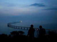 Obrazem: 55 kilometrů a 400 tisíc tun oceli. Podívejte se na nejdelší most na světě