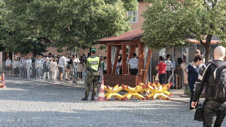 Zakladatelé Občanského fóra žádají zrušení kontrol na Hradě na výročí 17. listopadu