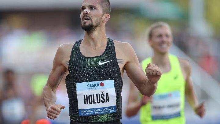 Holuša vylepšil národní maximum, Chepkoechová zaběhla světový rekord na 3000 m překážek