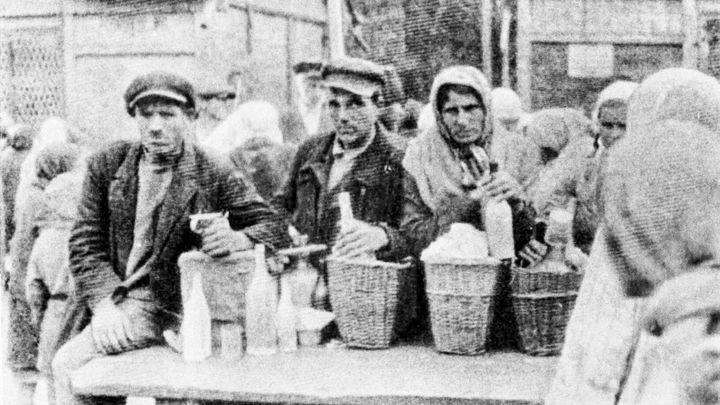 Rusové v hladomoru nevidí genocidu Ukrajinců, věří sovětským mýtům, říká historik