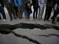 Nepál, den poté: Kremace a hledání lidí v ruinách domů
