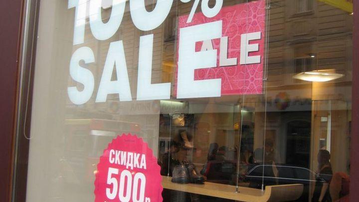 Výprodeje nebudou, vzkazují Rusům obchody s oblečením