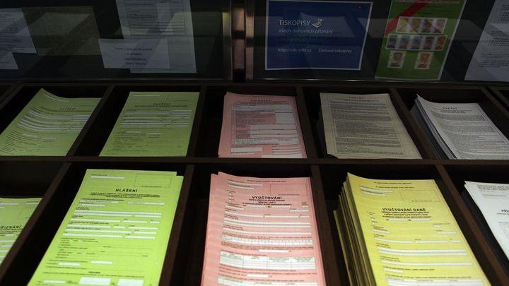 Zjednodušte daňový systém, doporučuje Evropská komise Česku