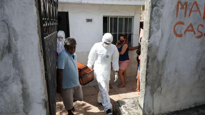 V Brazílii za jediný den zemřelo 3650 lidí, země představila dvě domácí vakcíny