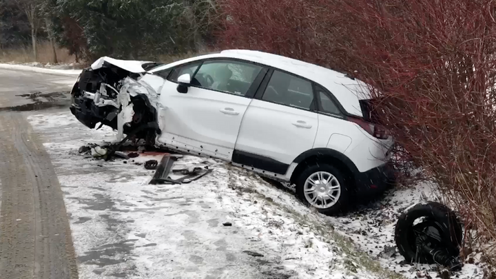 Nepozorný řidič je na českých silnicích největší hrozbou. Startuje kampaň proti mobilům za volantem