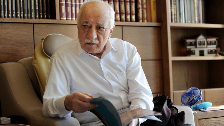 USA zlepšily postoj k vydání Gülena, do Ankary přijede Biden, řekl turecký premiér