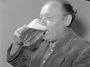 Suchej únor: Opilej chlap je bláto. Co dělá muže mužem? Ne půllitr, ale umět se vzepřít