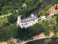 Proleťte se nad Vltavou. Nejlepší letecké snímky od pramenů až k soutoku s Labem