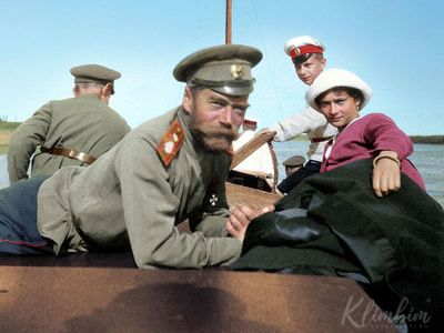 Foto: Unikátní barevné snímky Mikuláše II. i záběry z masakru. Přesně před 100 lety zavraždili cara