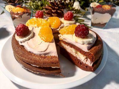 BLOG Rychlé Fit Recepty: Kakaový dort s ovocem