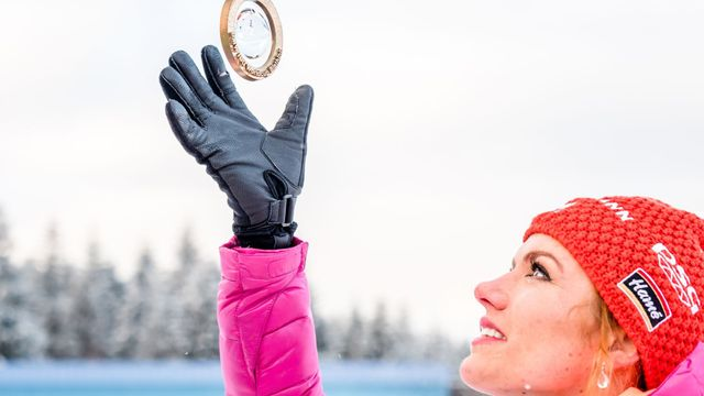 Výsledek obrázku pro foto biatlon koukalová palec