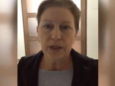 Nemůžeme ani vyjít na ulici, vzkázala ze Švýcarska Beata Babišová