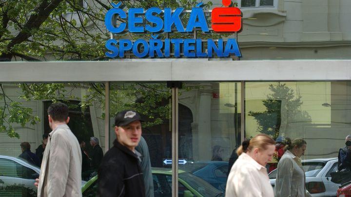 Česká spořitelna snížila čistý zisk, Erste je ve ztrátě