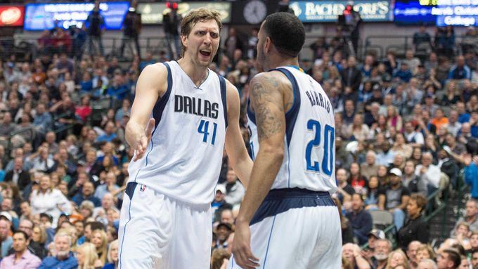 NBA: Portland Trail Blazers at Dallas Mavericks (Nowitzki, Harris)