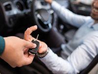 Která nová auta kupují soukromé osoby? Úplně jiná než ve firmách. Škoda Auto není ani v top 10
