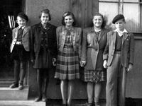 Šanci najít další lidické děti, které přežily vraždění nacistů, StB zazdila. Měla jiné priority