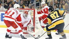 NHL, Pittsburgh-Detroit: Sidney Crosby (87) - Luke Glendening (41), Petr Mrázek (34) a Brendan Smith (2)