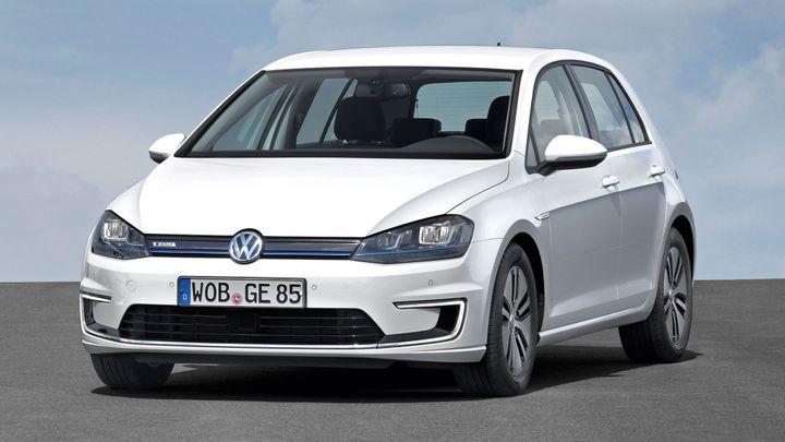 Volkswagen začíná prodávat další golf. Jezdí na elektřinu
