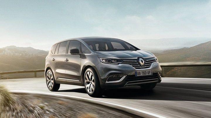 Nový Renault Espace zatáčí i zadními koly. Je od 769 000 Kč