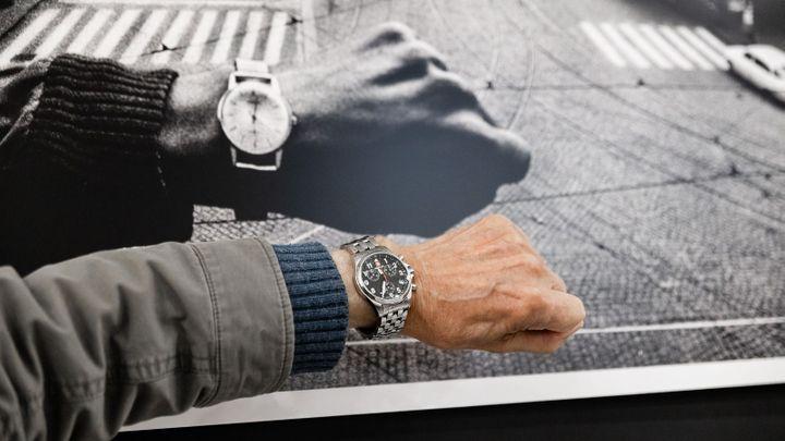 Muž s hodinkami. V srpnu 1968 fotil s Koudelkou prázdný Václavák, teď se opět setkali
