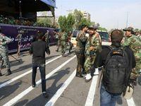 Ozbrojenci zaútočili na vojenskou přehlídku v Íránu, zabili 29 lidí. Teherán viní USA